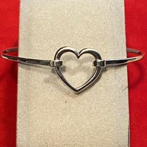 Retired James Avery heart bracelet